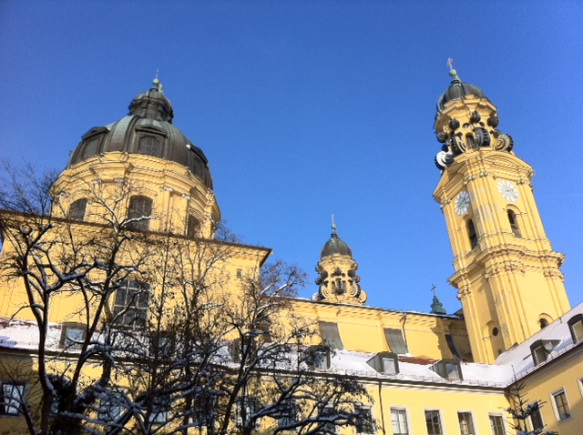 Theatinerkirche in Muenchen in Winter